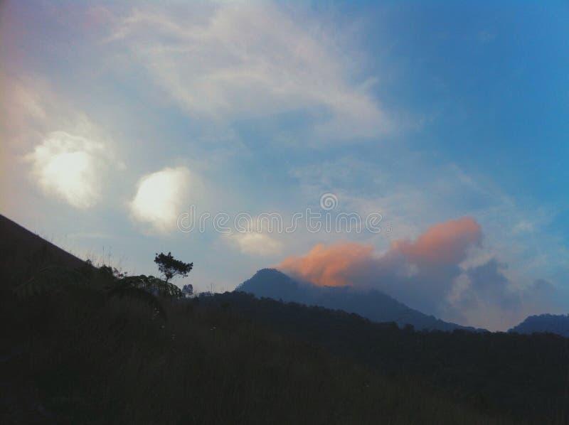 Das Gunung Merapi lizenzfreie stockbilder