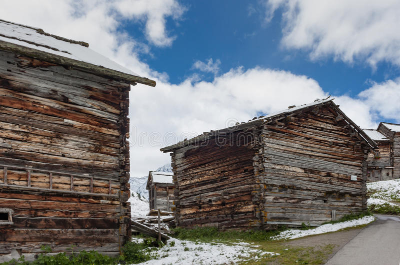 Das Häuschen des alpinen Hirts lizenzfreies stockbild