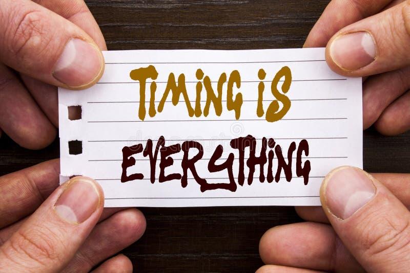 Das handgeschriebene Textzeichen, das TIMING zeigt, ist alles Geschäftskonzept, damit der wichtige Erfolgs-Rat zu Präzision writt lizenzfreies stockfoto