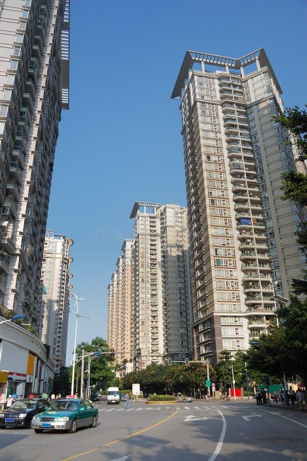 Das hohe Wohngebäude lizenzfreie stockfotos