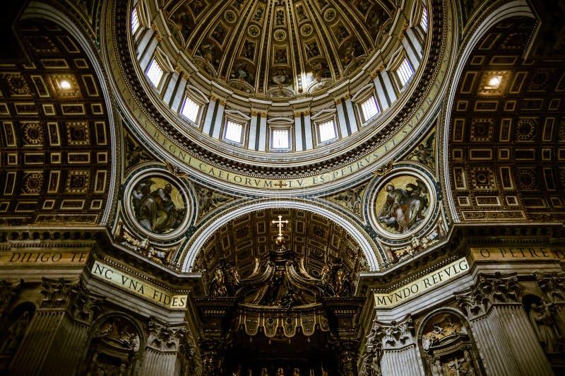 Das Innere der Haube von St Peter Basilika in Vatikan, Rom, Italien lizenzfreie stockbilder