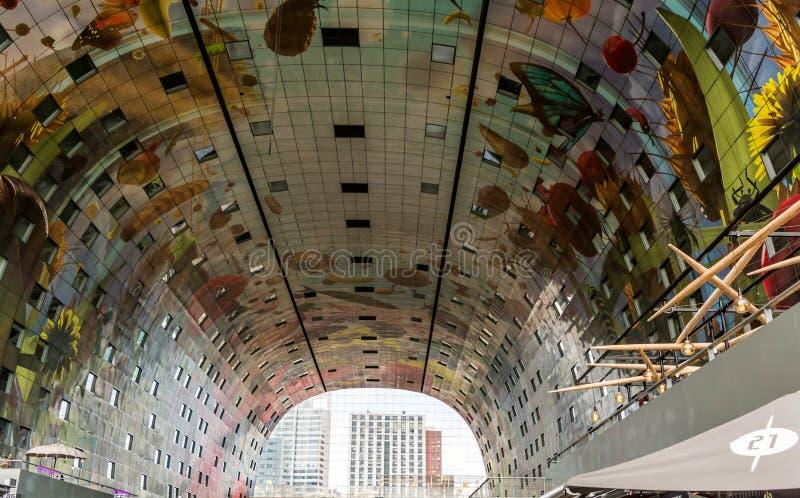 Das Innere des Markthal-Marktes Hall stockbild