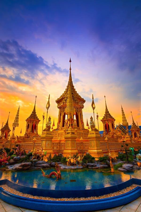 Das königliche Krematorium von Seine Majestäts-König Bhumibol Adulyadej in Bangkok, Thailand stockbilder