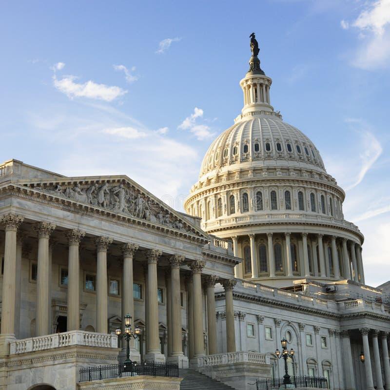 Das Kapitol-Gebäude lizenzfreie stockbilder
