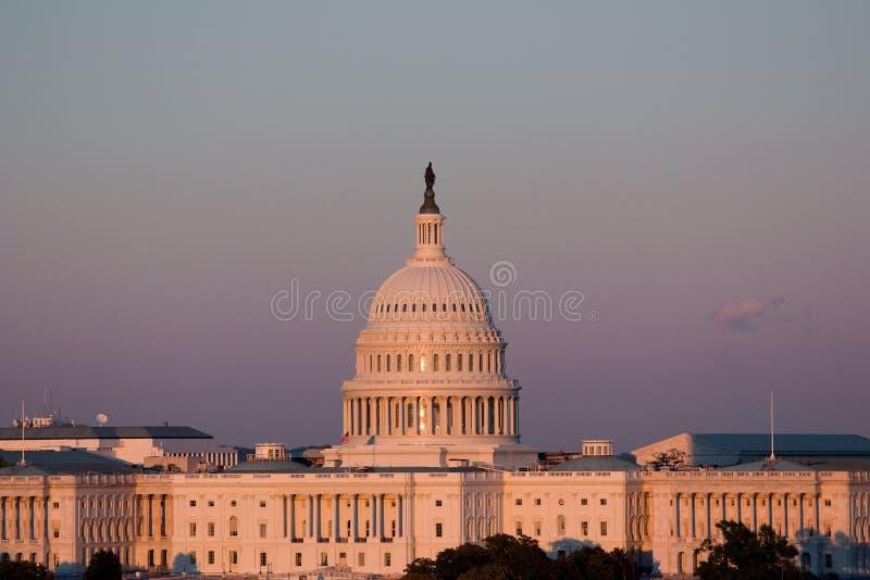 Das Kapitol am Sonnenuntergang stockbild