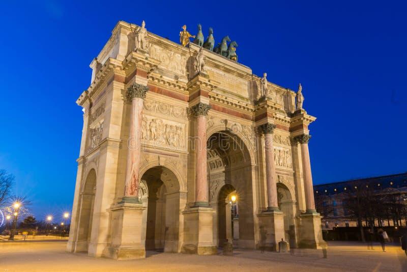 Das Karussell Triumphbogende Triomphe du, Paris, Frankreich stockbilder