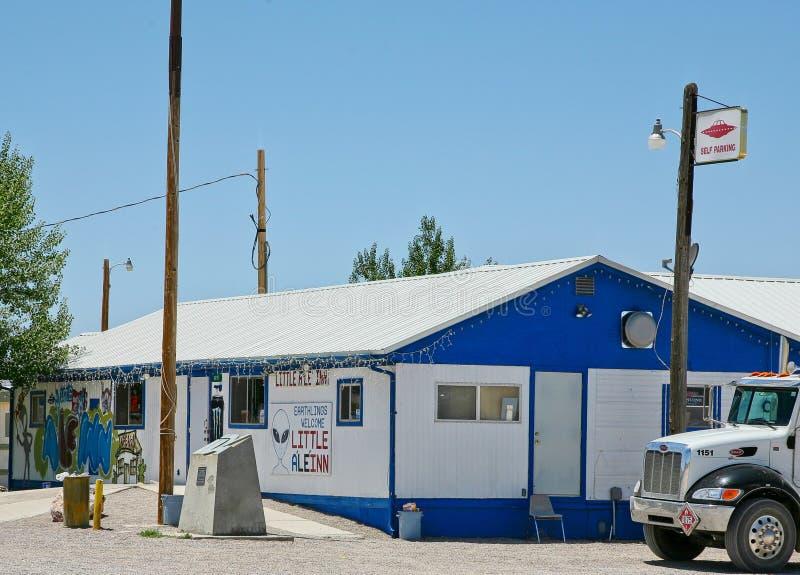 Das kleine AleInn gelegen in Rachel, Nevada lizenzfreie stockbilder