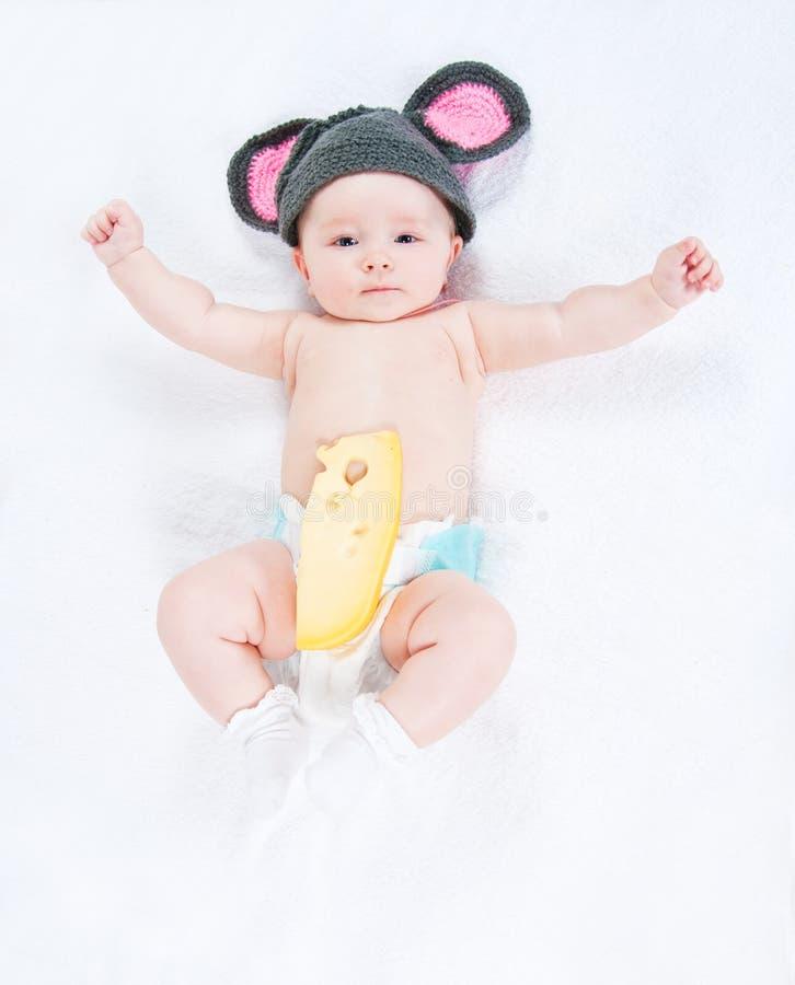 Das Kleinkind mit Käse lizenzfreie stockfotos