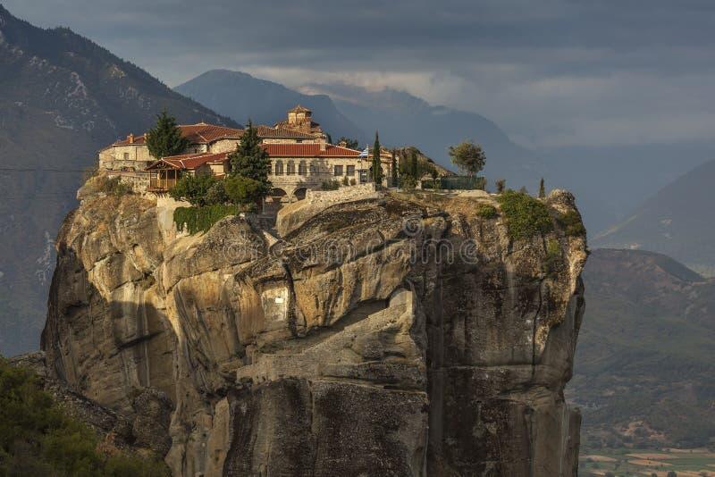 Das Kloster auf dem Felsen lizenzfreies stockbild
