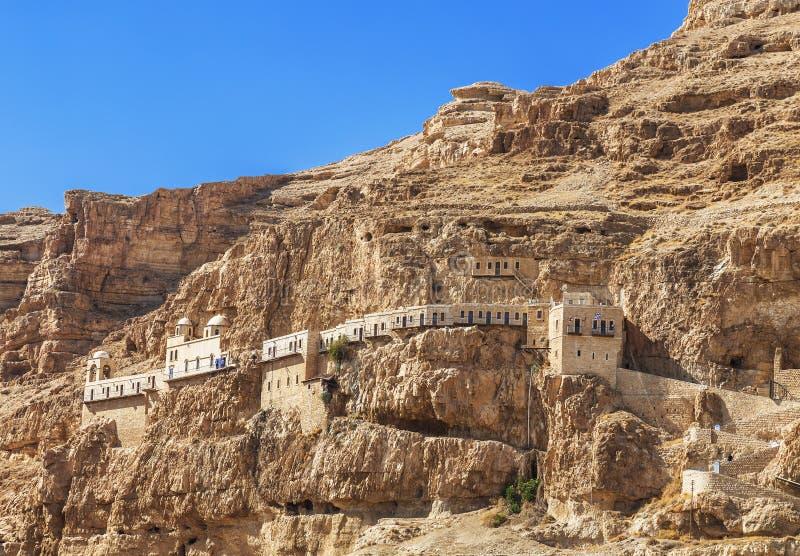 Das Kloster der Versuchung auf dem Berg Carental, Jericho, Judean-Wüste lizenzfreie stockfotos