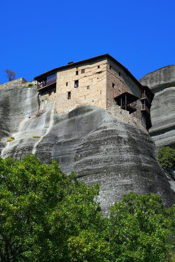 Das Kloster von St. Nicholas Anapavsa ist das kleinste Kloster von Meteora, liebenswürdig und uncrowded lizenzfreie stockfotos
