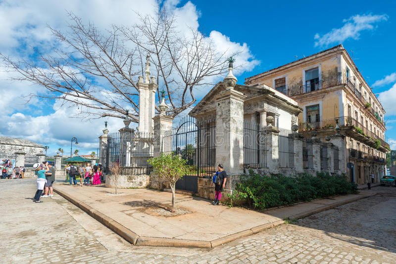 Das Kolonialgebäude von EL Templete in altem Havana lizenzfreies stockfoto