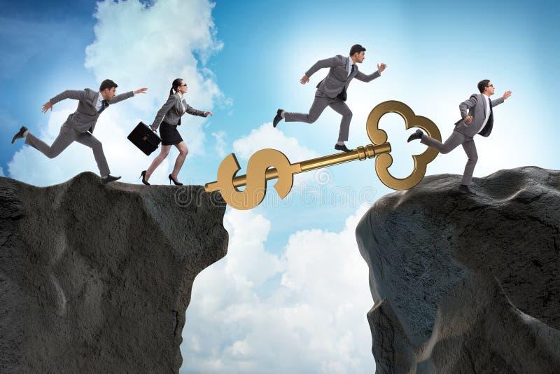 Das Konzept des Schlüssels zum Finanzerfolg und zum Wohlstand stockfotos