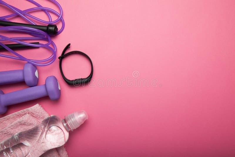 Das Konzept des Trainings und des gesunden Lebensstils Leerer Platz f?r Text lizenzfreies stockfoto