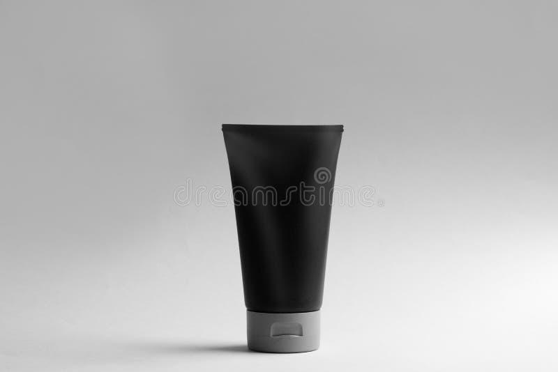 Das kosmetische Produkt der M?nner Modell f?r Design lizenzfreies stockfoto