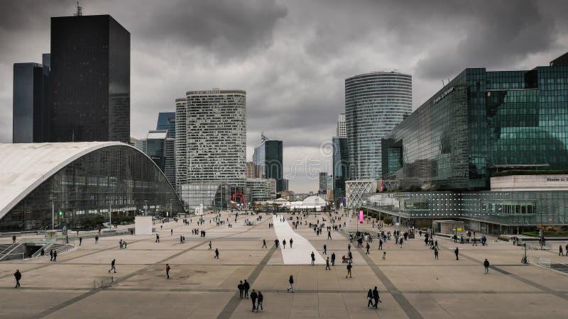 Das La-Verteidigungsgeschäftsgebiet von Paris stockfotos