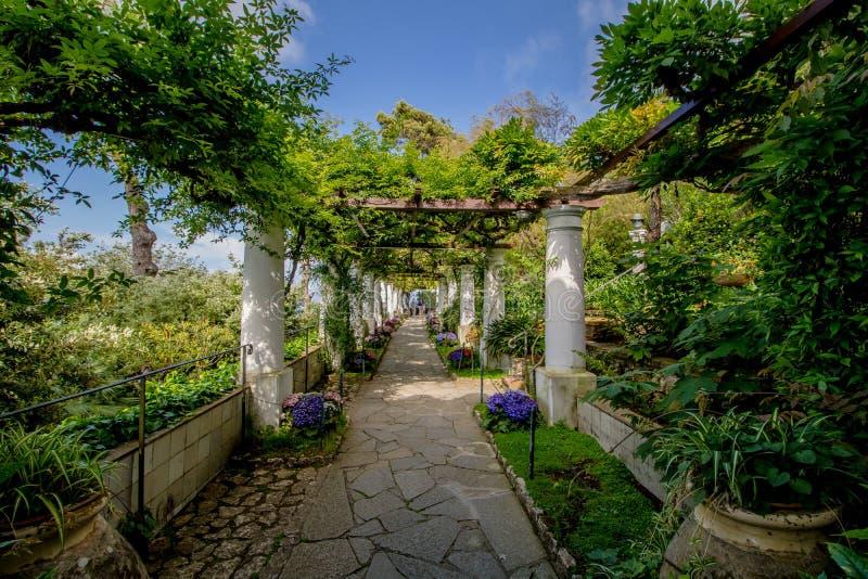 Das Landhaus San Michele im Frühjahr, in Anacapri auf der Insel von Capri, Italien lizenzfreie stockfotos