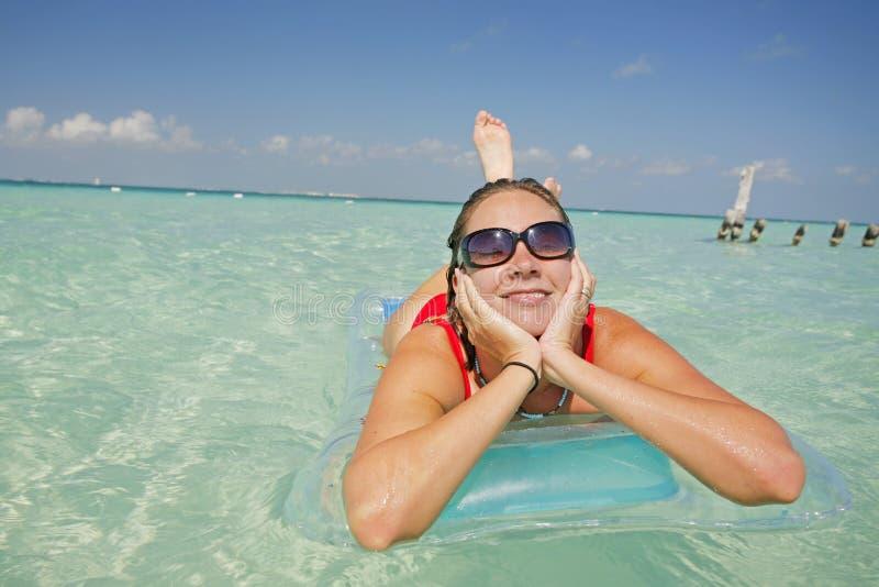 Das Leben ist ein Strand (Lilo) lizenzfreies stockbild