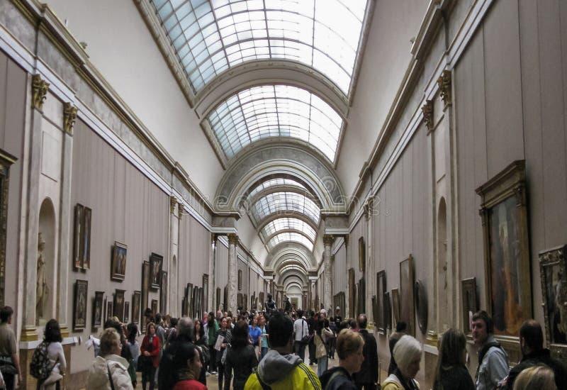 Das Louvre - großartige Galerie lizenzfreie stockbilder