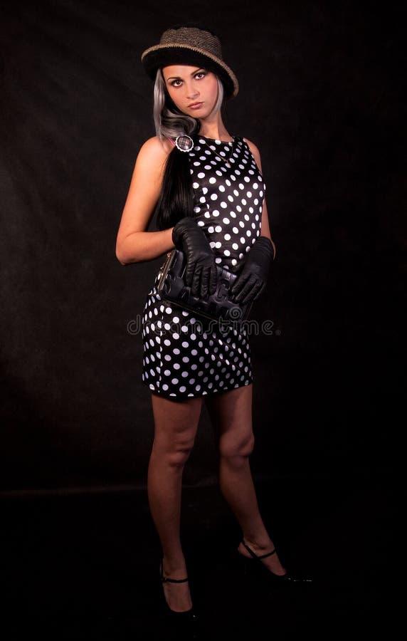 Das Mädchen in einem Kleid lizenzfreies stockbild