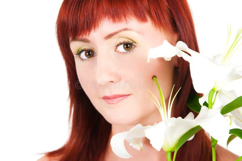Download Das Mädchen Mit Einer Lilienblume Stockbild - Bild von gesicht, karosserie: 27726801