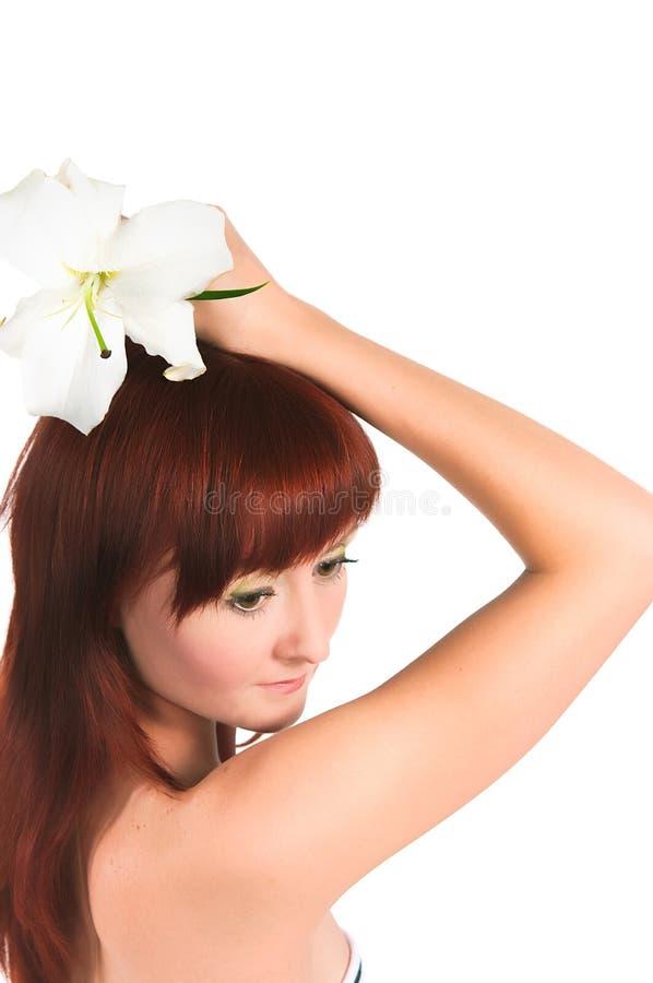 Download Das Mädchen Mit Einer Lilienblume Stockfoto - Bild von fünf, gesund: 27726888