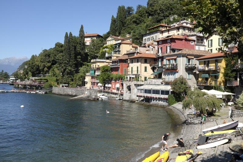 Das malerische Dorf von Varenna auf See Como stockfotos