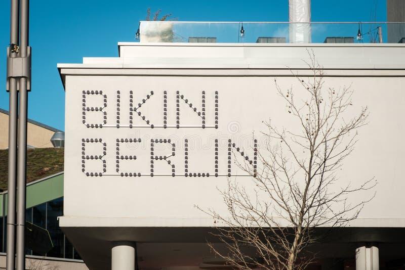 Das Markenlogo des 'Bikinis Berlin 'formal Bikinihaus, ein KonzeptEinkaufszentrum in Berlin stockfotografie
