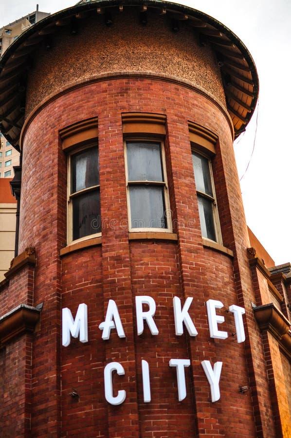 Das Markt-Stadteinkaufszentrumgebäude, gelegen am südlichen Ende des zentralen Geschäftsgebiets Sydneys schließt viel von Chinato stockbilder