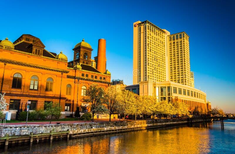 Das Marriot-Ufergegend-Hotel und das Museum der Arbeiten in Hafen E stockbild