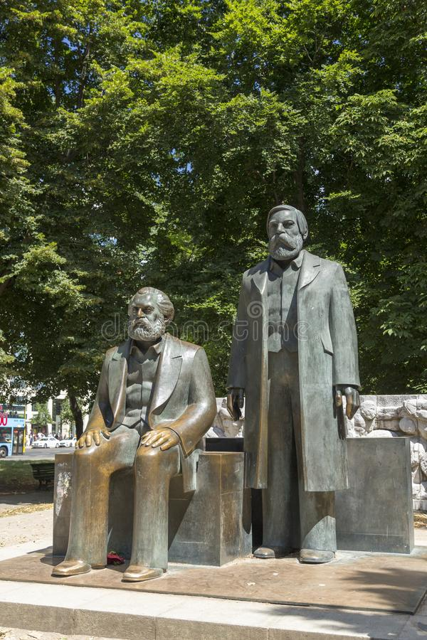 Das Marx-Engels-Forum in der Mitte von Berlin lizenzfreies stockfoto