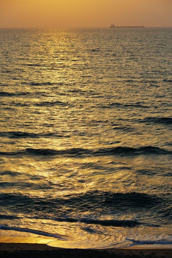 Das Meer am Sonnenuntergang stockfoto