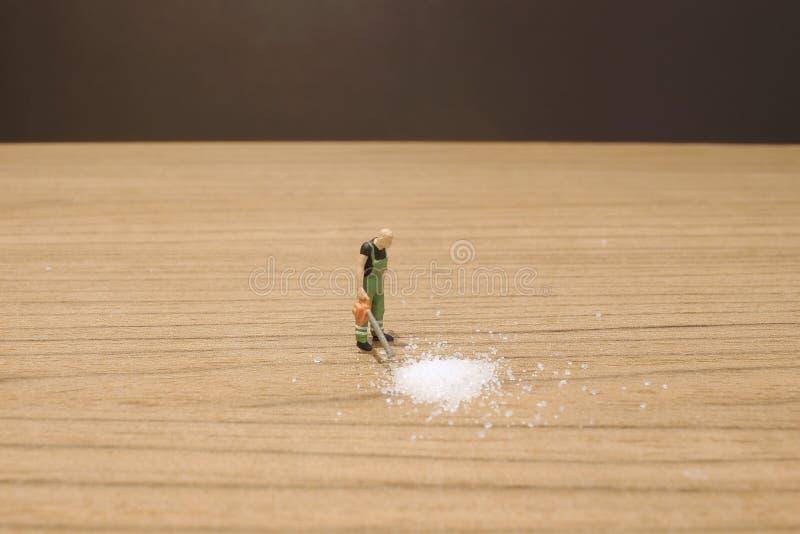 das Mini-woker klärt den Zucker stockfotografie
