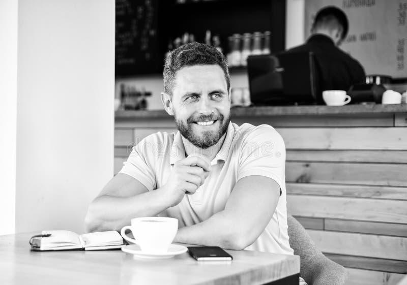 Das Mittagessen essen Apfel Gesunde Gewohnheiten Kaffeepause zum sich zu entspannen Gesunde Mannsorgfalt-Vitaminnahrung während d lizenzfreies stockbild