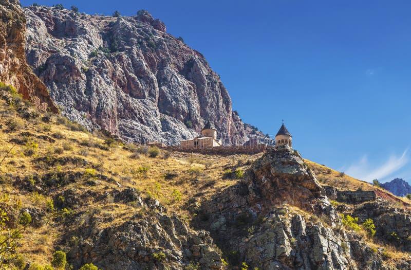 Das mittelalterliche Kloster von Noravank in den Bergen von Armenien lizenzfreie stockfotos