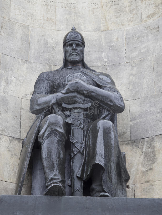 Das Monument im Kirchenquadrat, vladimir, Russische Föderation stockbilder