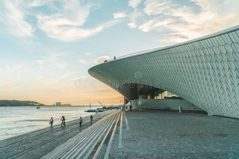 Das neue Kunstmuseum, die Architektur und Technology Museu de Arte, das Arquitetura e Tecnologia oder das MAAT stockfotos