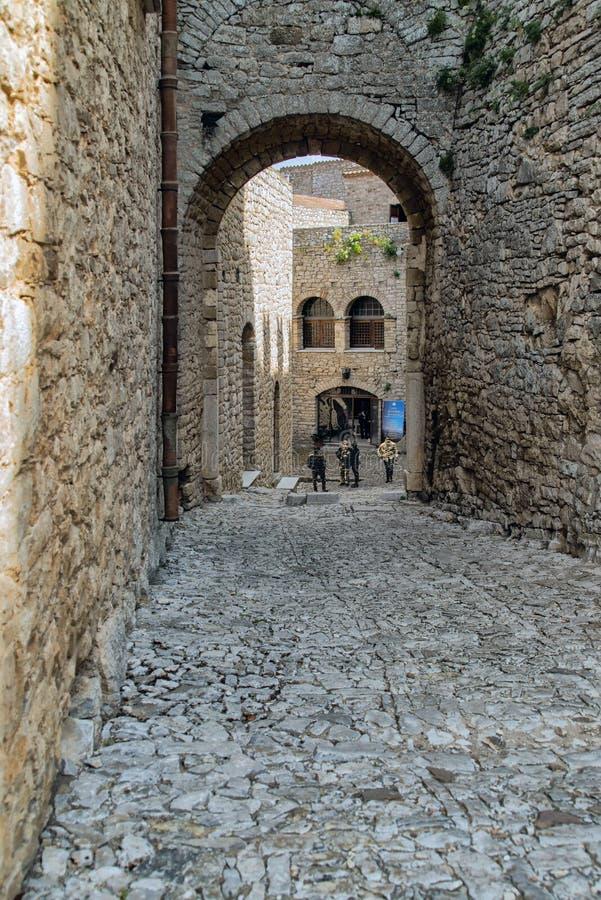 Das normannische Schloss in Caccamo mit einem der Treppenhäuser lizenzfreie stockbilder