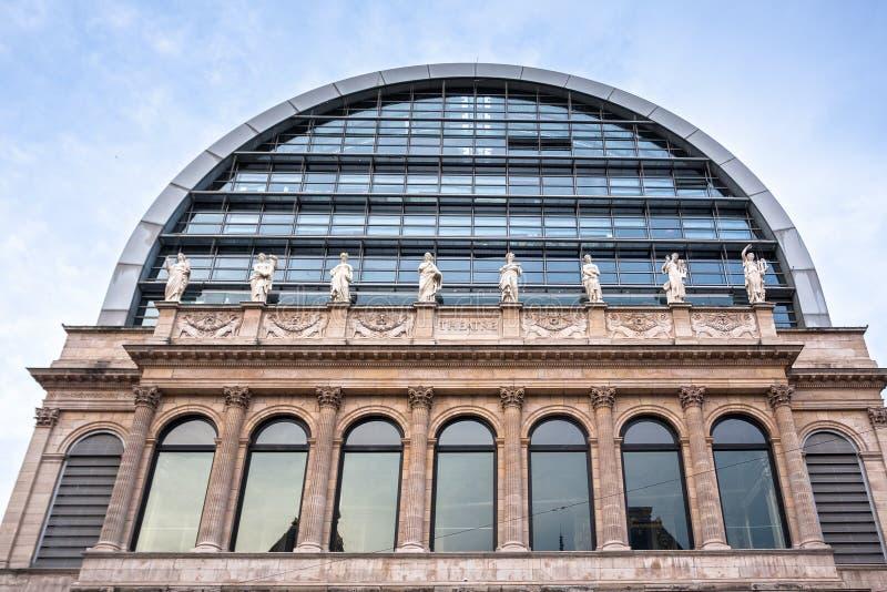 Das Opernhaus mit neoklassischer Architektur, Lyon, Frankreich stockbild