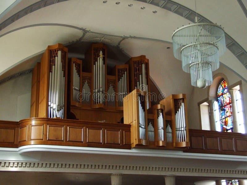 Das Organ in der großen christlichen Kirche in der Stadt von Gossau stockfotos