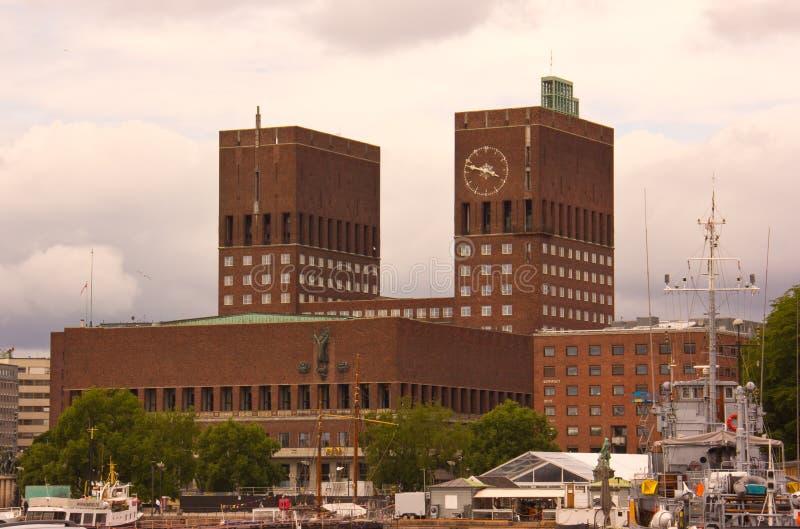 Das Oslo-Rathaus stockfotografie