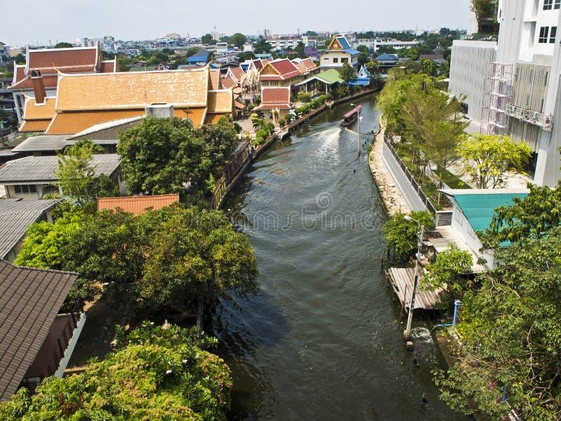 Das Passagierboot in Bangkok-Kanal lizenzfreie stockbilder