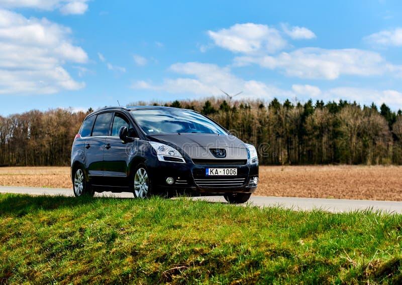 Das Peugeot 5008 lizenzfreie stockfotos