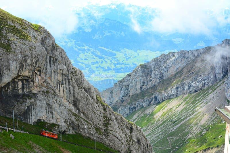 Das Pilatus-Bahn, die Welt-` s steilste Zahnradeisenbahn stockfotografie