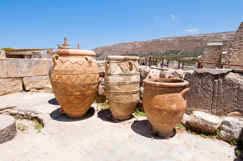 Das Pithoi oder die Lagerung rüttelt am Knossos-Palast auf der Insel von Kreta, Griechenland stockbilder