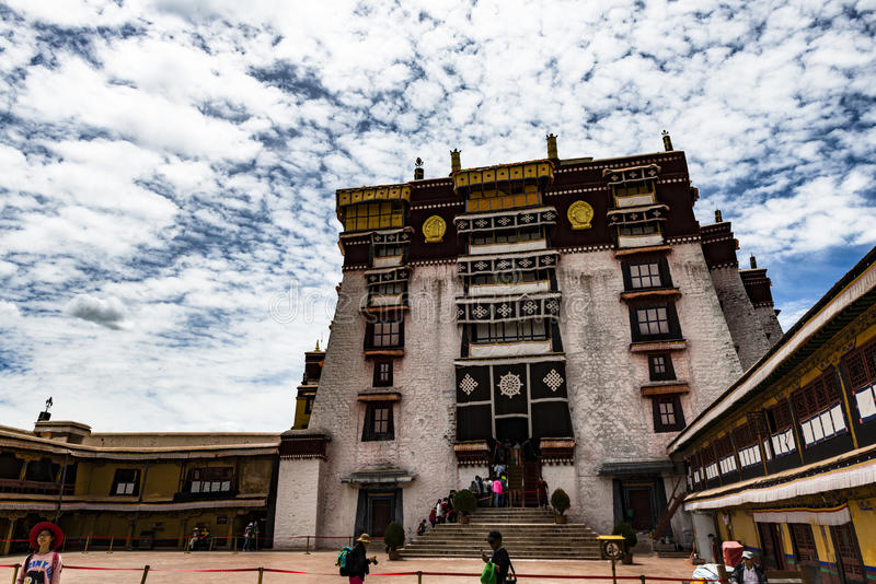 Das Potala-Palast in Lhasa, Tibet lizenzfreie stockbilder