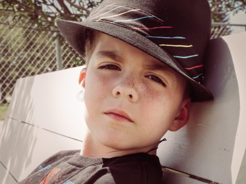 Das Prepster in Fedora Hat stockfotos