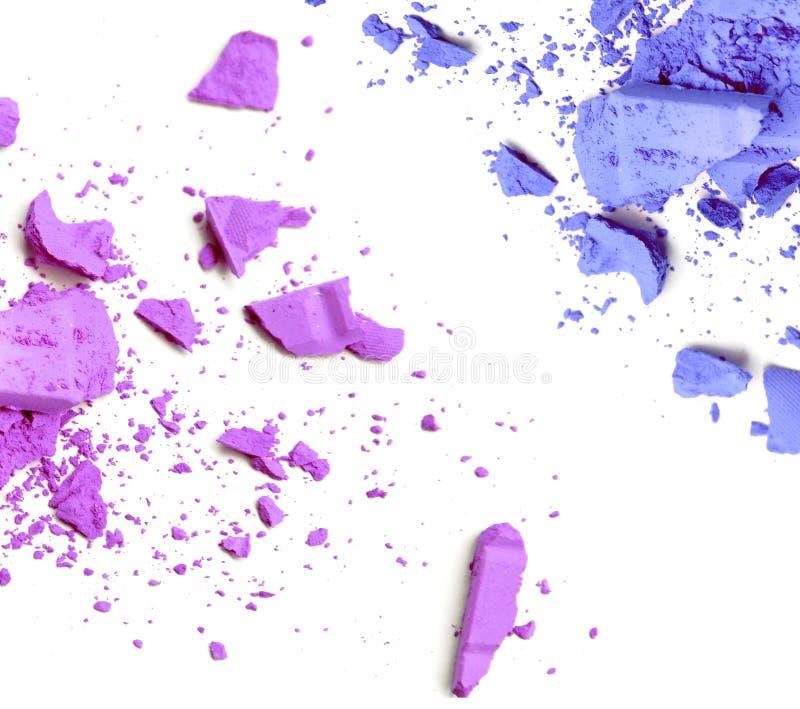 Das Purpur und Blau zerquetscht werden, bildet Farbpulver lizenzfreie stockfotografie