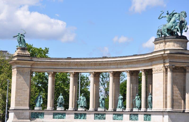 Das Quadrat der Helden in Budapest Ungarn stockfotografie