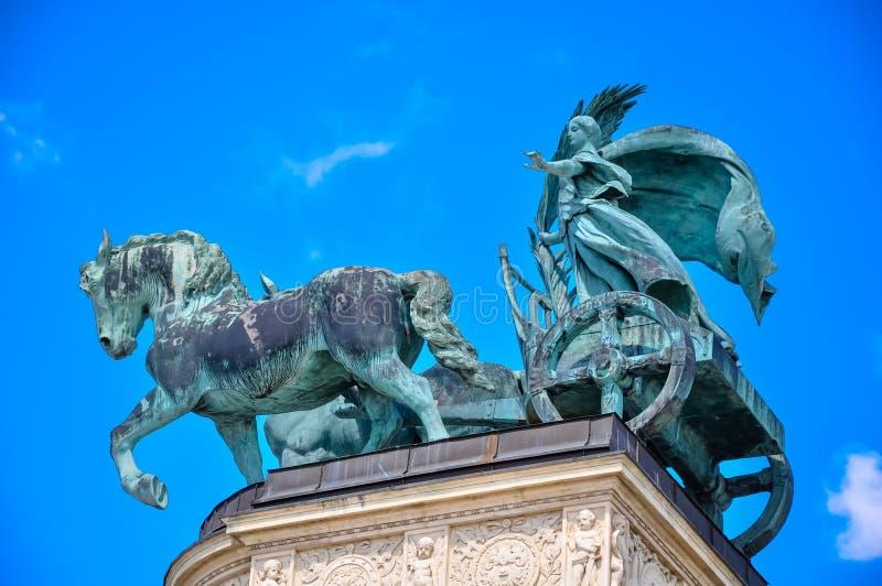 Das Quadrat der Helden in Budapest Ungarn stockfotos